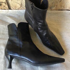 Stuart Weitzman Boots Booties Size 6 1/2 M Leather